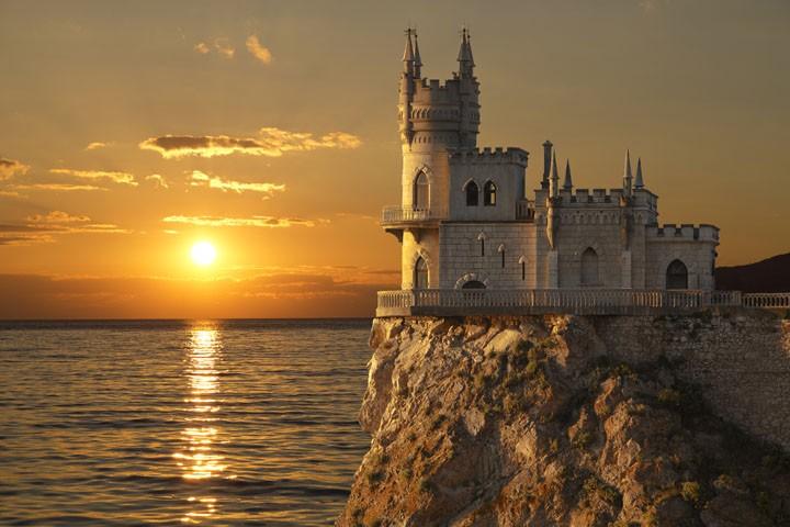 Дешевые чартеры из Москвы в Крым всего за 6800₽ туда-обратно в конце лета!