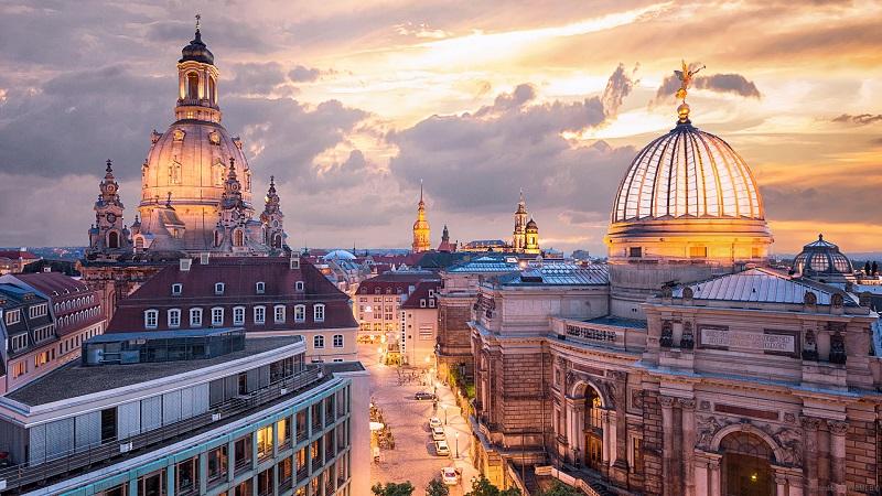 Прямой рейс из Санкт-Петербурга в  Дрезден за 10100₽ туда-обратно