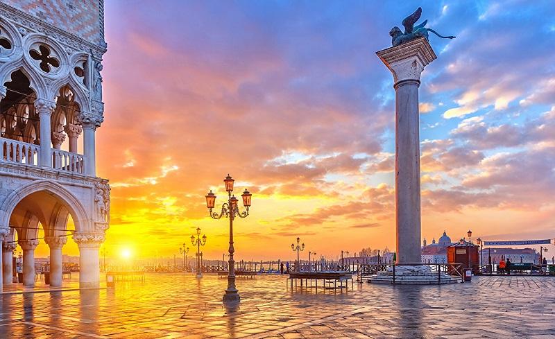 Отличный вариант для любителей Италии! Перелеты из Москвы в Венецию всего от 6300₽ туда-обратно!